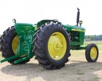 Renovace historického traktoru John Deere